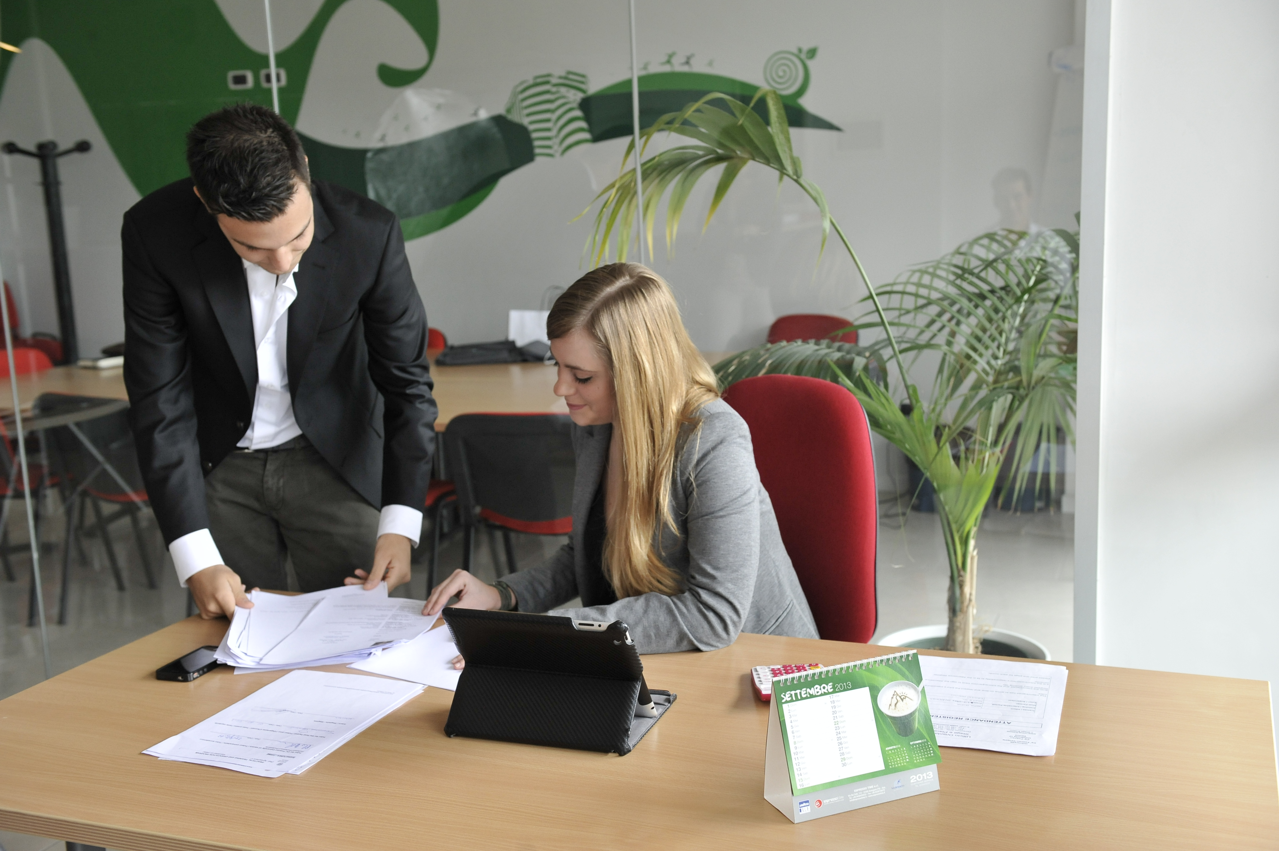 Noleggia un ufficio arredato a treviso area 8 for Ufficio arredato